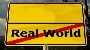 非現実世界
