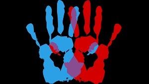 赤と青の手